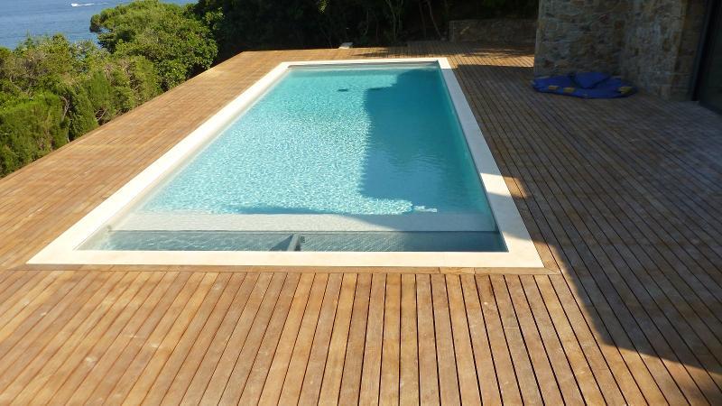Menuiserie (entreprises) - plage de piscine en Ipe