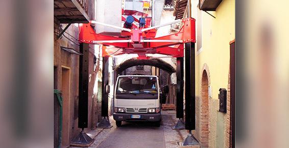 Manutention Toulousaine à Toulouse - Grue sur pieds Gelco