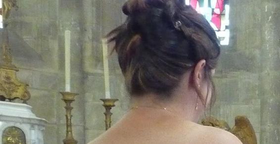 Réalisation de chignon par votre coiffeur à Beaumont-le-Roger
