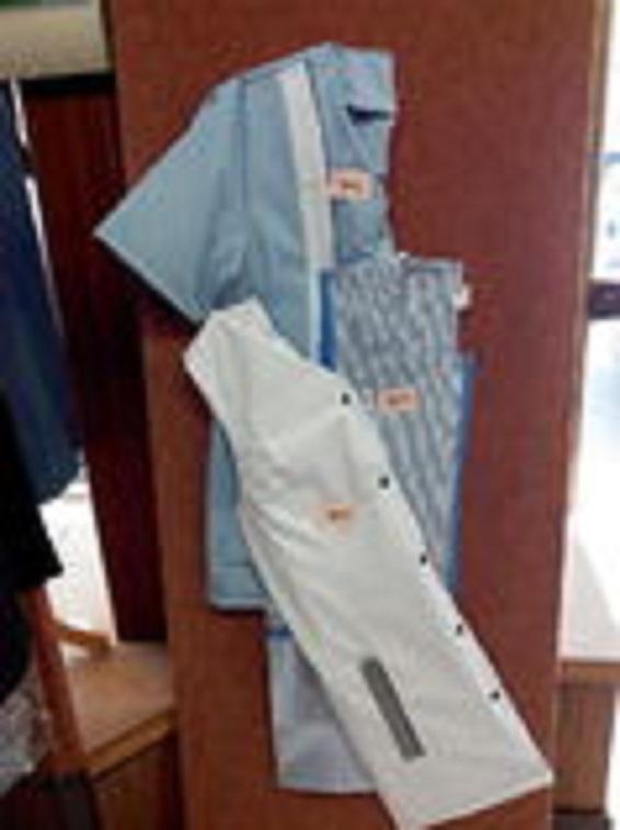 Plusieurs types de blouse courte ou longue