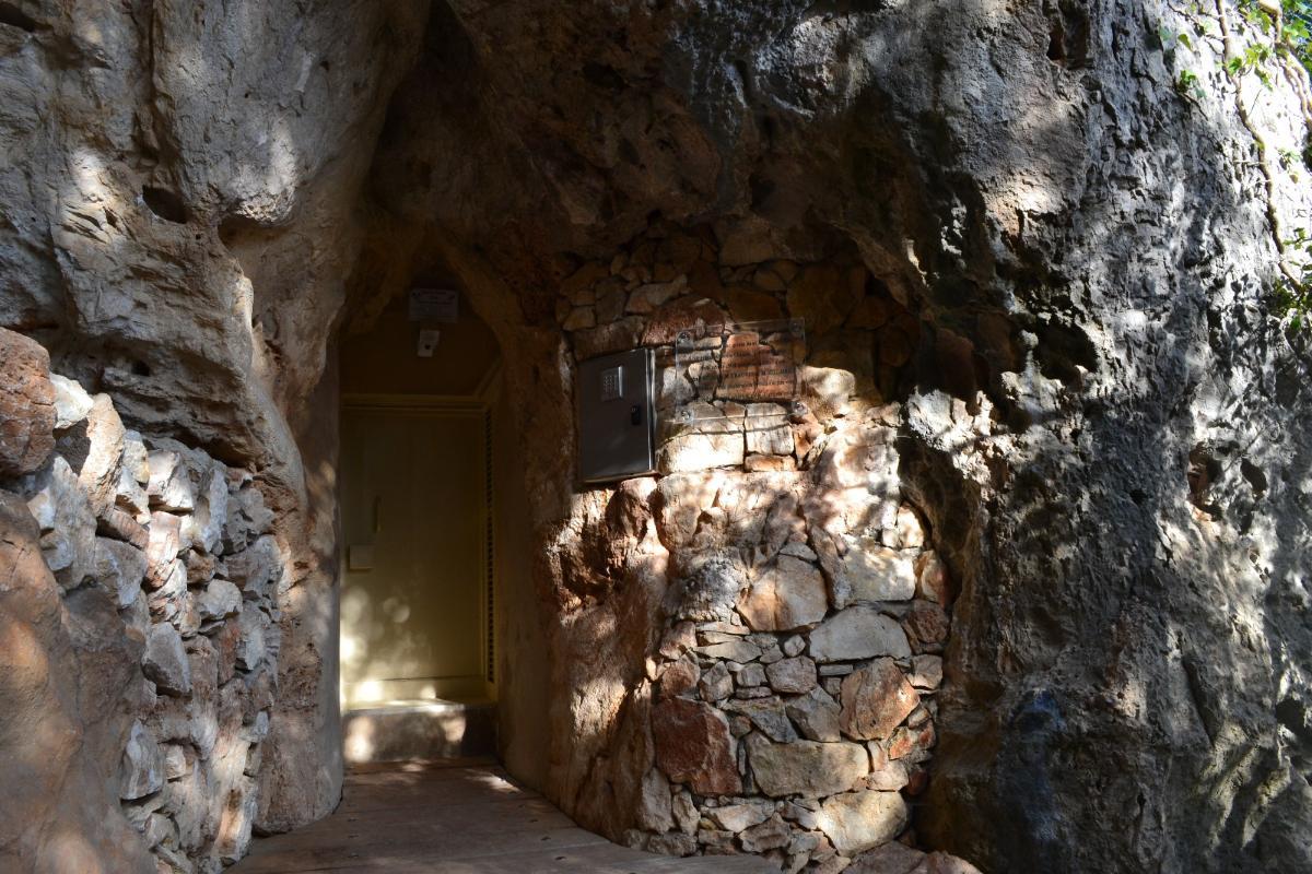 loisirs à proximités , visites culturelles : caverne du pont d'arc..