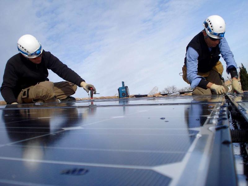 Entretien de panneaux solaires photovoltaïques