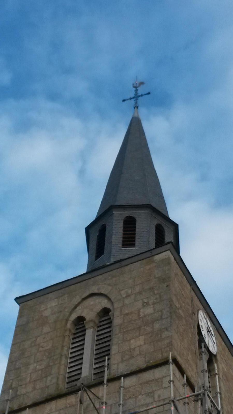 Clocher de l'église et abasons refaits