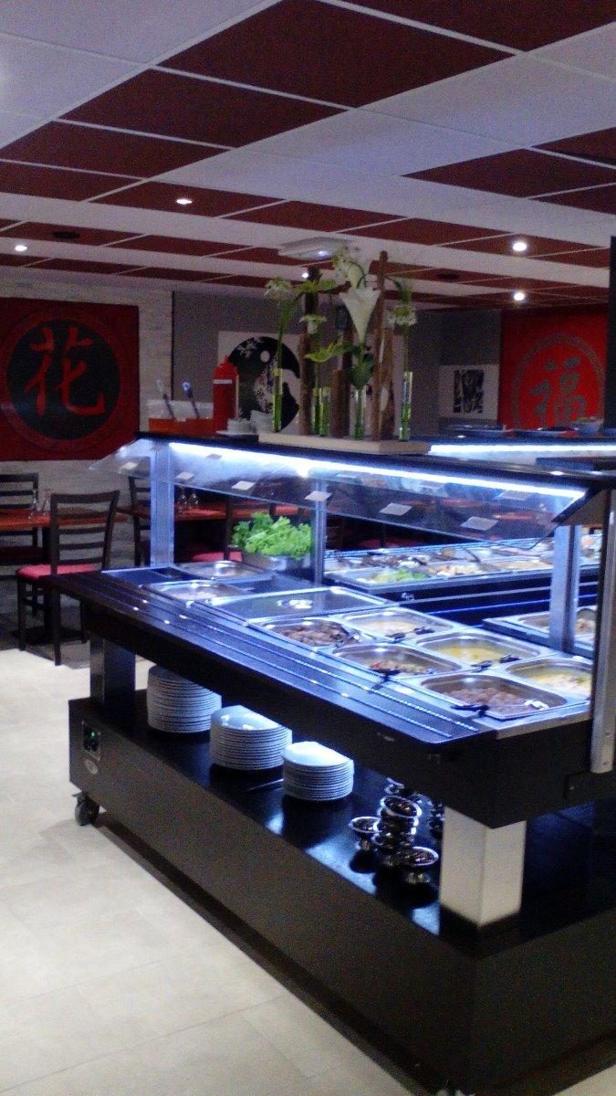 Buffet asiatique Restaurant Sawadee situé à Pontivy dans le Morbihan (56)