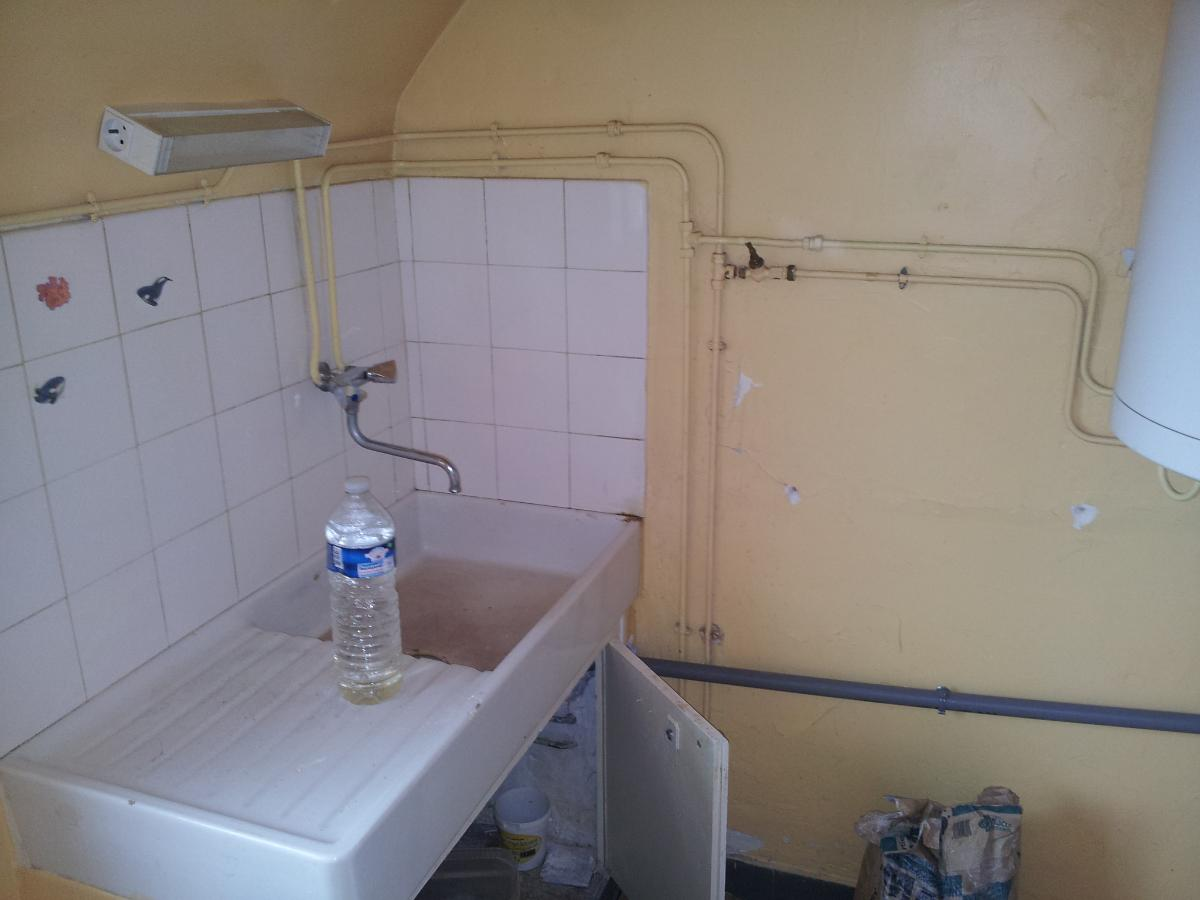Remplacement évier (avant) par votre plombier GIANI à La Hoguette (14)
