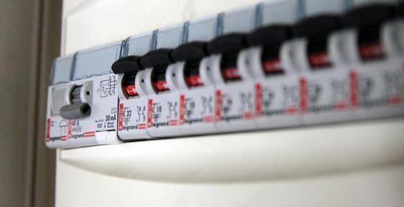 Appelez Établissements Jacquier pour vos dépannages en électricité