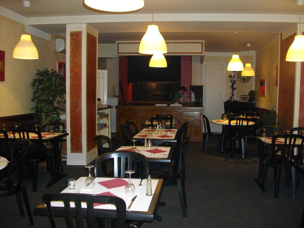 Photos pizzeria vente à La Pizzeria, restaurant et grill de la Vitarelle à Decazeville dans l'Aveyron (12)