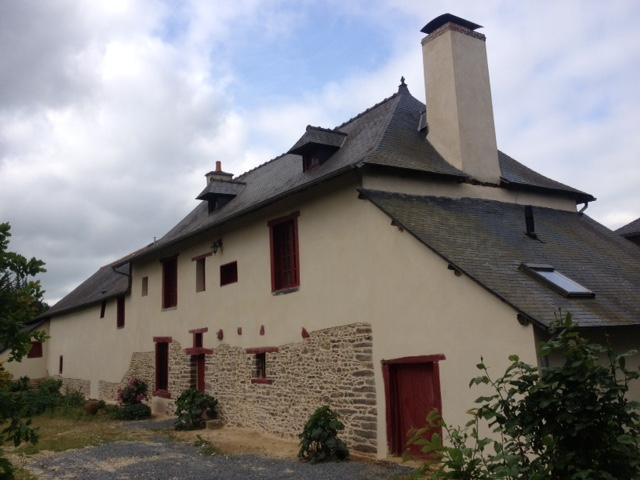 Rénovation de bâtiment près de Fougères et Rennes