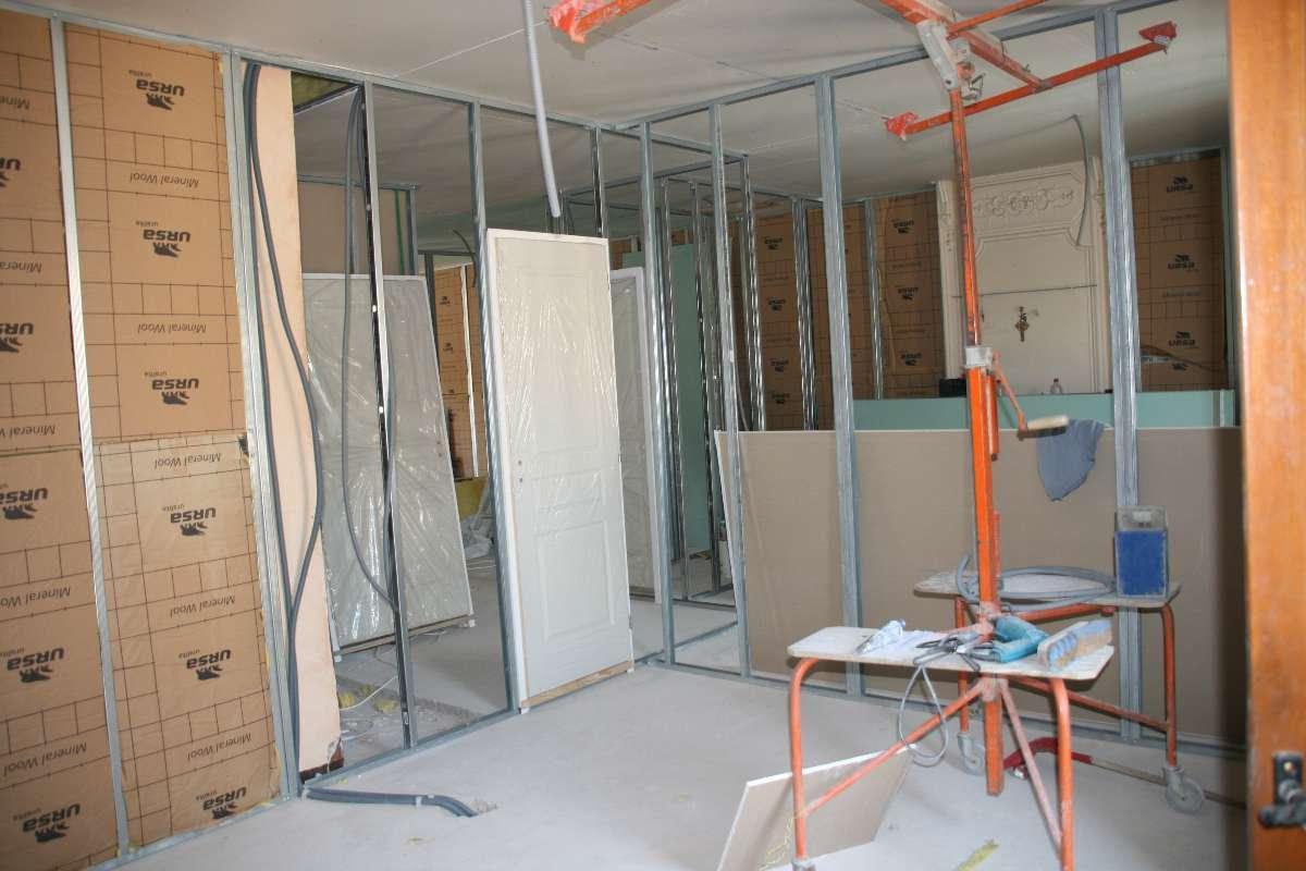 Isolation, plafond, doublage et cloisons placoplatre BA13