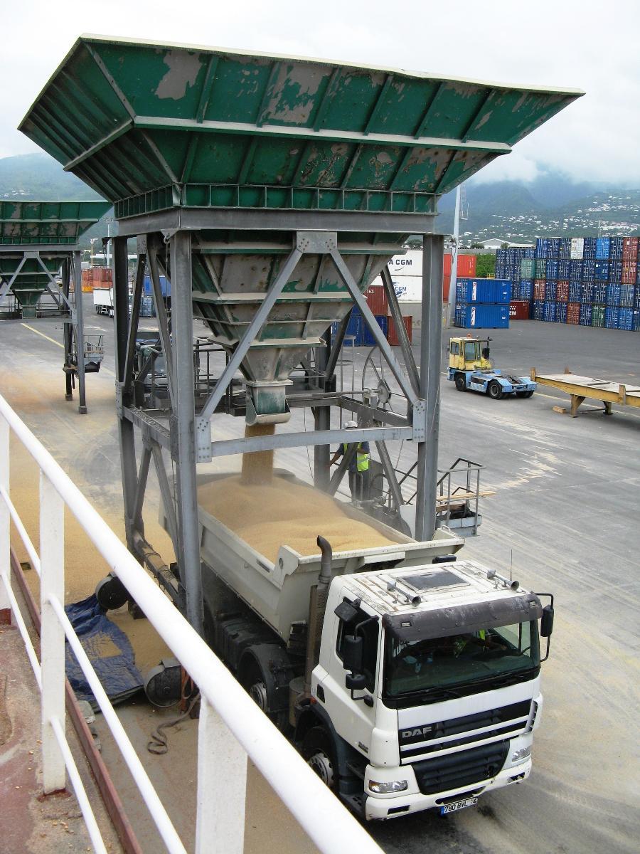 Le Port, Chariots, élévateurs chariots de manutention