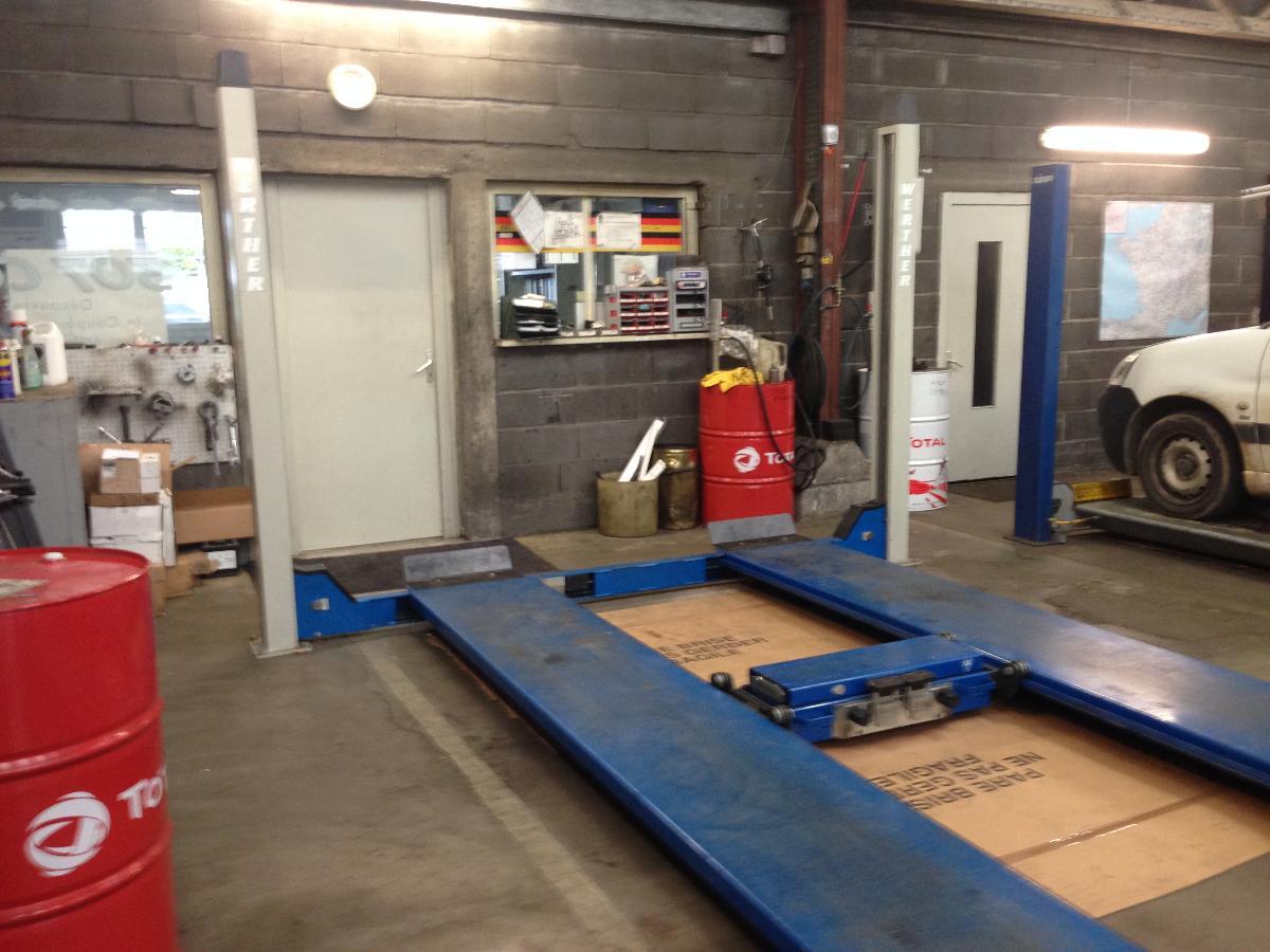 Garage entretien et réparation de véhicules