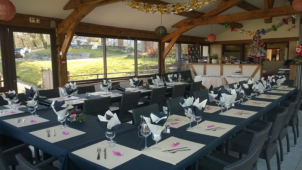 Salle de réception pour repas de groupe