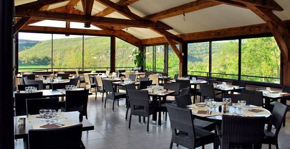 Restaurant La Terrasse à Penne, Salle à manger