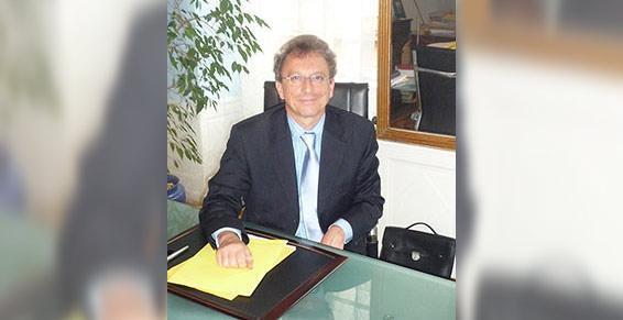 M. Stiebert Jean Paul. Façade du cabinet.