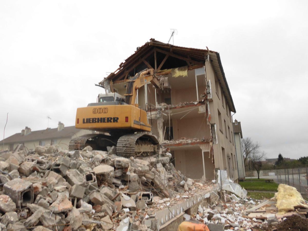 Démolition de bâtiment à Chateauponsac Haute vienne 87