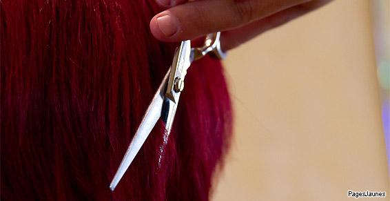Coloration en rouge faite par le salon de coiffure Un Moment à Soi