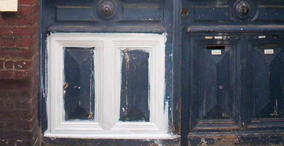Rénovation de portes d'entrées à l'ancienne à Paris