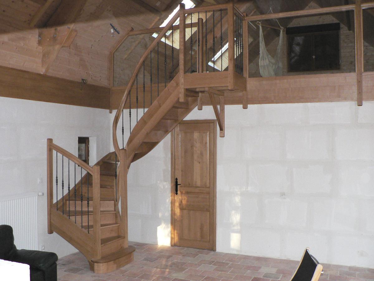 AMC Distribution, menuiserie, fabrication escalier sur-mesure.