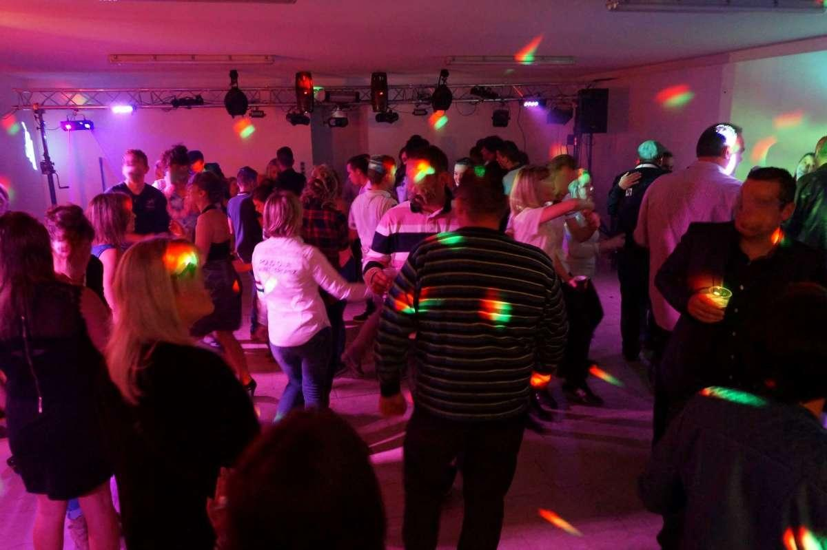 Animation de soirées dansantes avec le DJ de West Animation