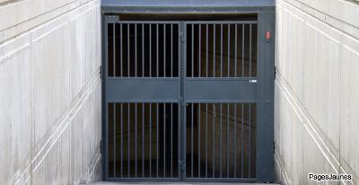 Fermetures_de_bâtiment_grille_rideau_métallique_portail_PJ_121212.JPG
