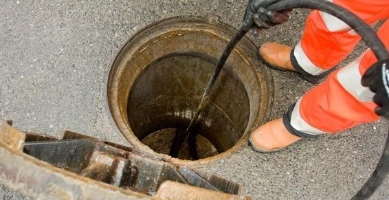 Raba Lesparre dans le Médoc-Déboucher une canalisation en gironde