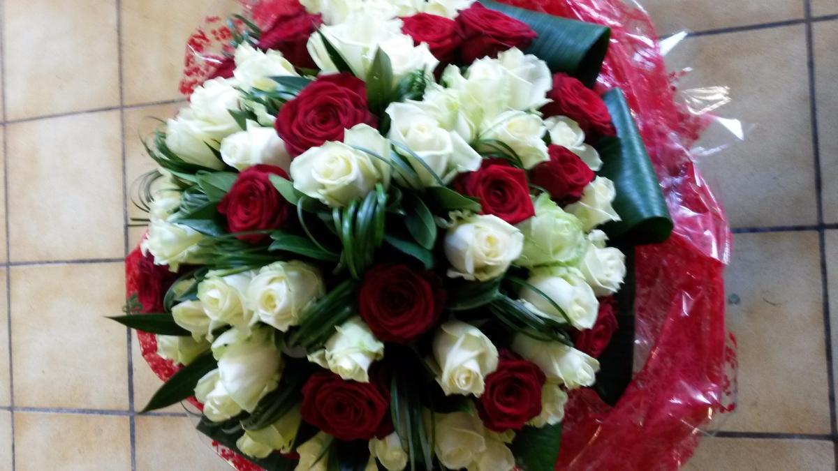 Bouquet 70 roses à La Chapelle-d'Armentières