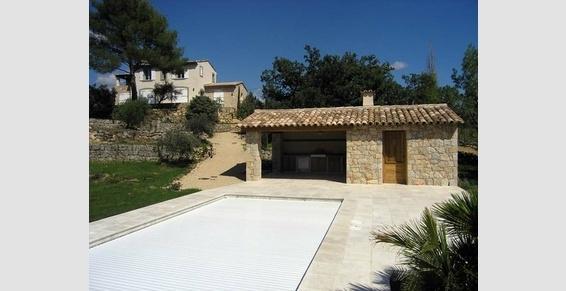 Réalisation d'une maison individuelle et d'une piscine avec pool-house