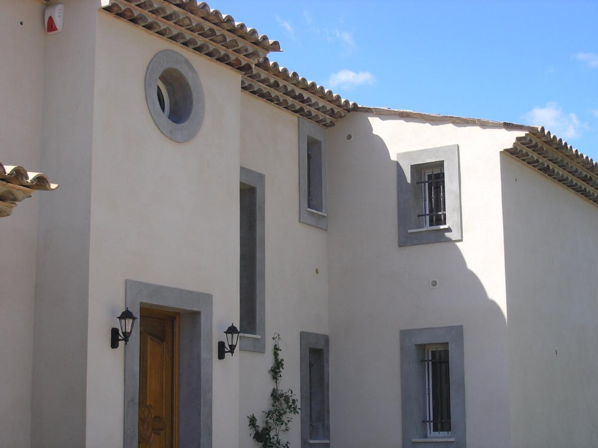 Encadrement ouverture villa individuelle
