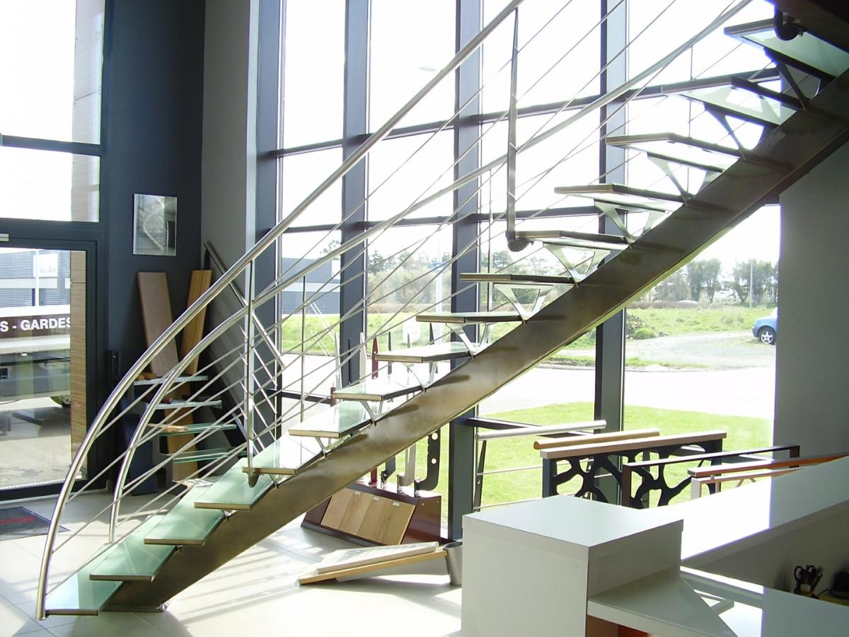 Alpha Métal, spécialistes escaliers mixtes (bois/métal)
