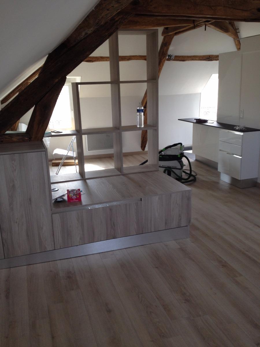 Salon après notre intervention en stratifié façon bois à St Germain en