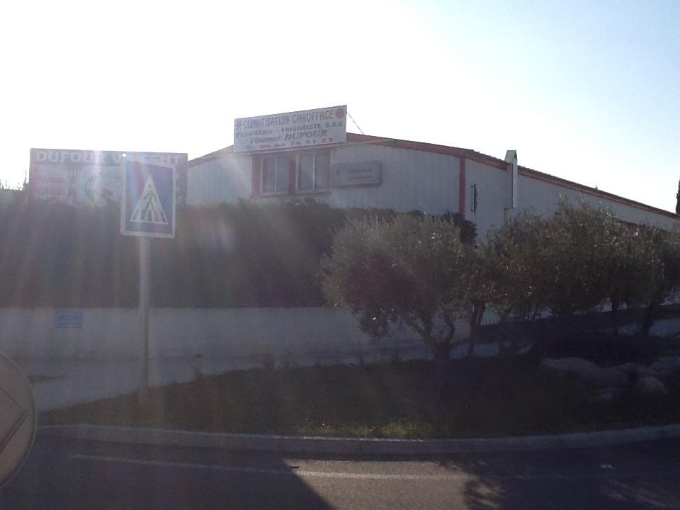 Nos hangars, Entreprise Dufour Vincent